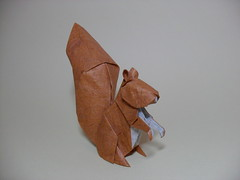 Squirrel - Nguyen Hung Cuong (rob.tad) Tags: paper squirrel origami thai papel papiroflexia unryu esquilo folding hung nguyen cuong dobradura