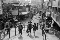 Leica_m_BW_5369_M35F35_TOKYO (OPTIK AXIS) Tags: camera leica blackandwhite film monochromatic  135  rf leicacamera    blackandwhitefilm    ilfordpan400    analoguephotography  ernstleitzgmbhwetzlar summaronf35cm135   m garylevel 35mmf35