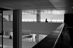 * (donvucl) Tags: bw london architecture library british figures depth donvucl fujnix100s