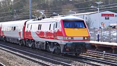 91124 P1290002rszA (Hertsman) Tags: new coast march edinburgh cross trains class east virgin kings hitchin 91 1100 livery 2015 ecml 91124
