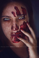 Deserve (Malia Len ) Tags: canon blood concept conceptual sangre deserve sanguinaria asesina murderess malialeon