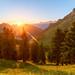 Lever+de+Soleil+entre+les+montagnes