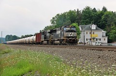 Loaded Oil at Cresson (BravoDelta1999) Tags: norfolksouthern ns railway conrail pennsylvaniarailroad prr railroad pittsburghline pennsylvania emd sd60m 6765 oil train 64r cresson