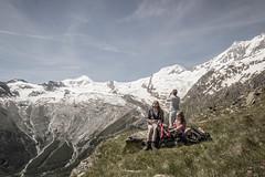 IMG_2291.jpg (blubberli) Tags: allalin wallis schweiz hannig sommerferien berge rast pause saastal alpen schnee lily myriam tamara saasfee ch