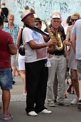 Street Performer (Kraf T Photography) Tags: canon 700d canon700d photography candid dusseldorf germany street