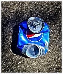 Pepsi (SamyColor) Tags: canon canon50d tamron28mmf25adaptall2 analoglens lentesanalogos color colori colorido colores colors red rojo azul blue pepsi pepsicola streetphotography fotografiacallejera reflejo reflection lightroom aviary colorefexpro4