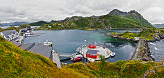 Hamn i Senja 7c 2p (Bilderschreiber) Tags: hamn senja north norway norge norwegen bucht bay fjord hafen harbour mountains berge landscape landschaft skandinavien scandinavia