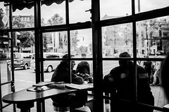 Coffee break (mripp) Tags: rondo urban city stadt architecture food coffee cafe heritage art kunst black white mono monochrom sony alpha 7rii coigtlnder notion 35mm germany deutschland unesco welter weltkulturerbe europe europa silhouette