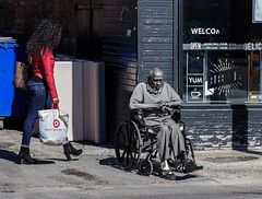 Lincoln and Fullerton (piano62) Tags: homeless homelessnessinchicago lincolnpark streetscenes streetpeople depauluniversity 2016 nikond750 nikon70200f28vr