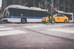 Biking in the City (Ani_Ro) Tags: amerika america nordamerika northamerica unitedstatesofamerica usa unitedstates us vereinigtestaatenvonamerika newyorkcity newyork nyc ny manhattan traffic verkehr street strase bus cab taxi bicycle bike fahrrad fahren driving asphalt sony sonyalpha7 alpha7 festbrennweite farbe colours colour licht lichtschatten schatten light lightshadow shadow urban urbanpictures citylife stadt stadtleben grosstadt