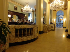 Le Pavillon Hotel (sftrajan) Tags: neworleans hotel lobby interior architecture centralbusinessdistrict cbd lepavillonhotel baronnestreet marble chandelier hoteldesoto 1900s toledanowogan toledanoandwogan newhoteldenechaud