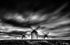 En Un Lugar De La Mancha... (J.Valds) Tags: largaexposicion clouds spain espaa blancoynegro history nikon longexposure donquijote blackandwhite windmills lamancha molinos