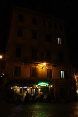 Ristorante Mario's (magic penguin ^^) Tags: ristorante marios mario restaurant restaurante street night calle carrer nit noche building edificio edifici light llums luces piazza grillo plaza plaa square roma rome italy italia windows finestres ventanas