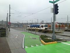 A (rare) single-car train heads north towards downtown Portland (Tysasi) Tags: sd600 trimet orangeline portlandmilwaukielightrail pmlr sn singlecar