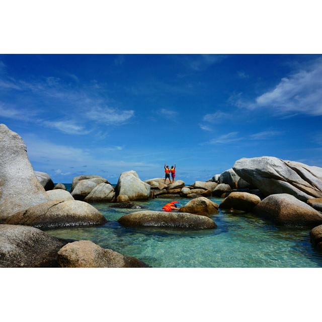 Enjoying Lengkuas Island, Belitung, Indonesia  #holiday #familytrip #bellotrip #wonderfulIndonesia #beach #landscape #panorama #nature #sea #ocean #beautiful #destination #photography #travelphotography #indonesia #vacation #adventure #island