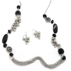 5th Avenue Black Necklace P2120-1