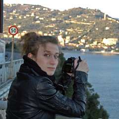 Shooting (Rosy Toddina) Tags: hello life blue friends sunset sea madame portrait panorama music selfportrait game beach me nature girl smile sunshine rose museum canon landscape mirror reflex dance eyes hug tramonto colours alba telephone profile style indiana follow filter blonde passion shooting effect colori rapper ritratti prato spiaggia rolling feelings specchio manicomio onde ulivo rithm sentieri wves