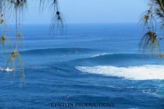 peahi wide swinger set (Aaron Lynton) Tags: canon hawaii surf waves maui surfing 7d jaws sets peahi caon lyntonproductions