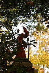 (Through the lens of a local) Tags: park wood old trees woman holland tree netherlands leaves kids lady fairytale forest bomen europa europe witch magic kinderen nederland story fairy theme anton blaadjes efteling dame bos oud tale vrouw oude magie thema heks pretpark sprookje bladeren tover toveren verhaaltje pieck dametje toverkol