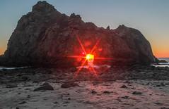 Sun Portal...or eye of Sauron? (Charlie Lee.) Tags: sunset usa america canon unitedstatesofamerica bigsur westcoast centralcalifornia pfeifferbeach 미국 캐논 600d sunportal 캘리포니아 북미 keyholerock 서부 eos600d rebelt3i 미국서부