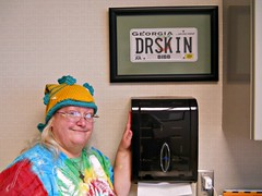 """5/365:  Debut of Delbert The Dead Fish (MountainEagleCrafter) Tags: hat fun funny licenseplate entertainment international doctor deadfish macon madeup yip 2015 1515 knittedhat 5356 funnystory onehat beauty"""" drskin """"2015 01052015 delbertthedeadfish davidjcohenmd dermatologyappointment"""