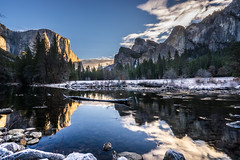 Happy New Year! Sunrise from The Gates of the Valley, Yosemite National Park (ElSuperRaton- Douglas) Tags: california cali sunrise sony yosemite elcapitan mercedriver sonyalpha gatesofthevalley sonya7