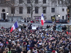 Trafalgar Square, 11 January (Julie70 Joyoflife) Tags: uk london unity trafalgarsquare londres bluehour franais manif 2014 photojuliekertesz jesuisjuif jesuischarlie jesuispolicier wearefrench