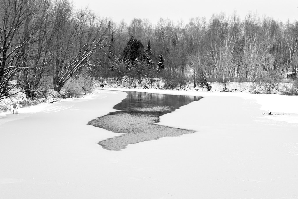 Le gel de la rivière - River freezing