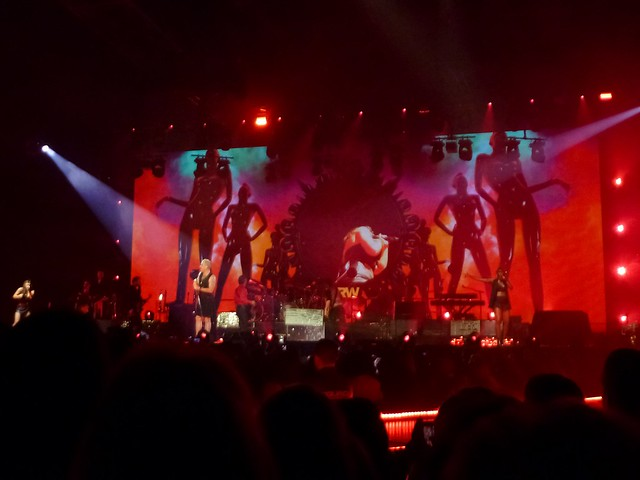 Robbie Williams - Let Me Entertain You Tour 2015 - Zénith, Paris (2015)