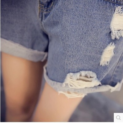 Summer 2016 the new hole in the Korean version of the Joker slim old student shorts high waisted denim shorts hot pants women