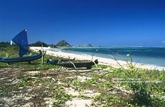 Lombok, Kuta beach (blauepics) Tags: indonesien indonesia indonesian indonesische lombok island kuta beach strand landscape landschaft water wasser sand boat boot meer sea blue blau