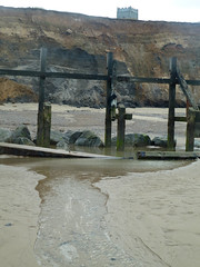 Happisburgh (AJ Mitchell) Tags: tide erosion sand cliff hominid footprints breakwater churchtower