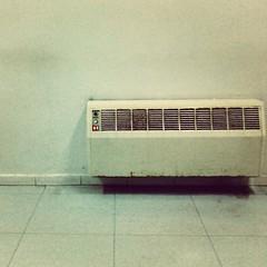Ancòra. #cosevecchie #coseantiche #antichità #radiatori #termosifoni... (simoneaversano) Tags: warm warmth calore cosevecchie radiatori termosifoni coseantiche antichit uploaded:by=flickstagram instagram:photo=388813867458172761247096476