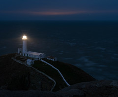 DSC_6585.jpg (steveroberts800) Tags: winter lighthouse seascape coast rocks surf waves cliffs nighttime navigation trinityhouse irishsea anglesey southstack 2015