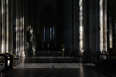 DSC_1526a (Fransois) Tags: france cathedral prayer cathdrale amiens tronc prire churchtrunk