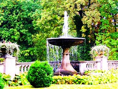 Springbrunnen an der Orangerie (Sophia-Fatima) Tags: fountain springbrunnen potsdam orangerie fontne