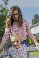 Smile (hector.sg) Tags: chile family girl familia canon happy san play niña paseo vicente feliz juego lindas sonreír