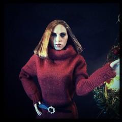 It's Christmas Eve! Time to be in red. (DocteurKi) Tags: toy toys actionfigure doll dolls actionfigures 16 blackwidow marvel scarlettjohansson femalefigure onesixthscale hottoys onesixth scarjo natasharomanoff nataliaromanova hipstamatic femfigs sixthscalefigure nataliaalianovnaromanova objectifwonder filmw40 mms239