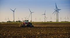 Fehmarn (nafot) Tags: traktor energie landwirtschaft ostsee fehmarn windturbine windkraft hansnater reisengeografie nafot
