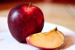 Pommes (Les photos de LN) Tags: fruit rouge chair jus couleur peau pomme pectine pépins