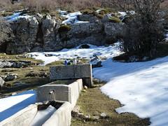Sierra de Castril (Granada) (Miguel__Escobar) Tags: snow ice fountain nieve fuente hielo humangeography geografíahumana