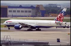 G-VIIO - London Gatwick (LGW) 20.07.2002 (Jakob_DK) Tags: 2002 lgw egkk gatwick gviio ba baw british britishairways boeing boeing777 777 b777 777200 b772 b777200er b777200 boeing777200 777200er boeing777200er londongatwick gatwickairport londongatwickairport worldimage worldimagetail