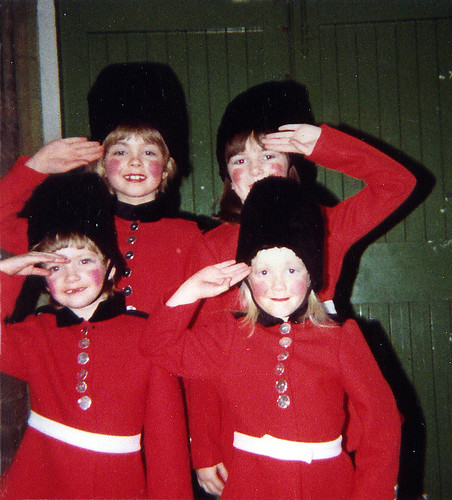1978 Dick Whittington 07 (from left x,Lindsay Gunn,x,Sarah Howard)