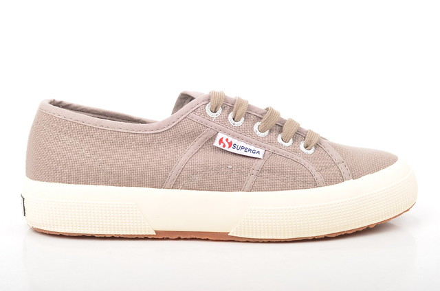 classic canvas sneaker superga taupe cotu 2750 s000010 damensneakers