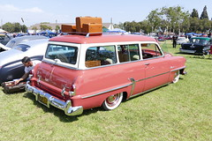 1954 Plymouth (bballchico) Tags: plymouth 1954 santamaria carshow pinstripe stationwagon pinstriper cruisinnationals westcoastkustomscruisinnationals