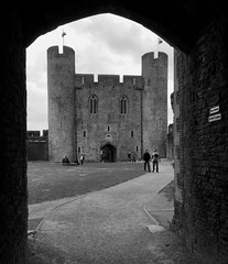 Caerphilly Castle (tmvissers) Tags: uk castle wales towers archway caerphilly