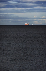 the moray firth from rosemarkie (violica) Tags: sea scotland highlands mare ship unitedkingdom nave regnounito rosemarkie blackisle morayfirth scozia firthofmoray