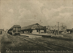 Estacion de Ferrocarril de Zaza del Medio (lezumbalaberenjena) Tags: zaza sancti spiritus cuba vintage old viejas fotos antiguas lezumbalaberenjena