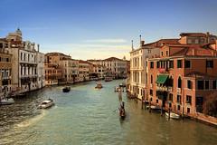 Venise 2016 (PatGentil) Tags: venise italie canal maisons gondoles ciel nuages