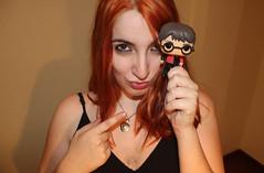 IMG_2549 (Inspiracin dormida) Tags: girl redhair orange hair book pelirroja pelinaranja libro flores black